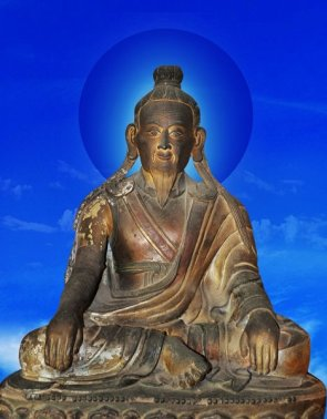 Shardza Tashi Gyaltsen statue with blue background